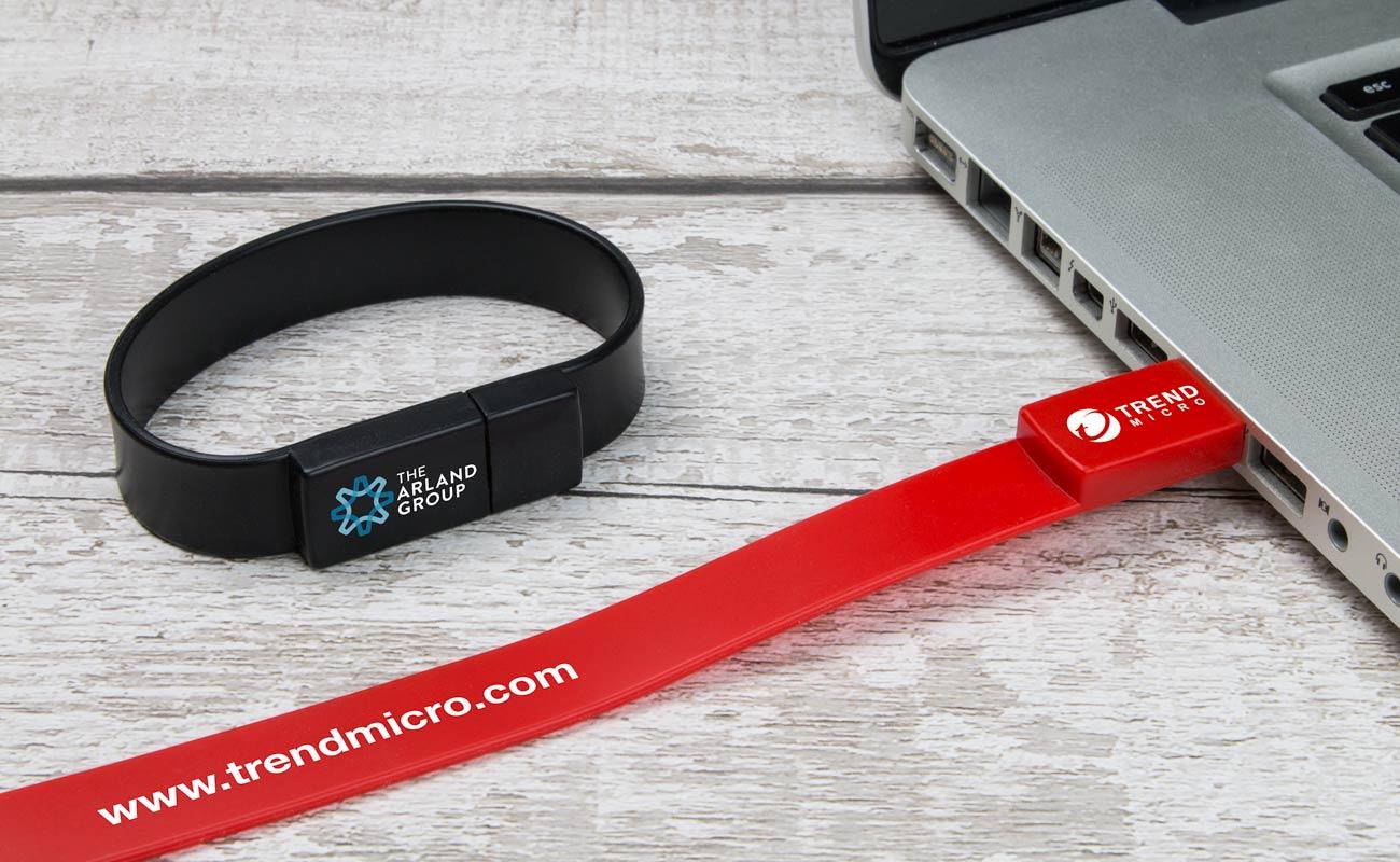 Lizzard - Custom USB Bracelet