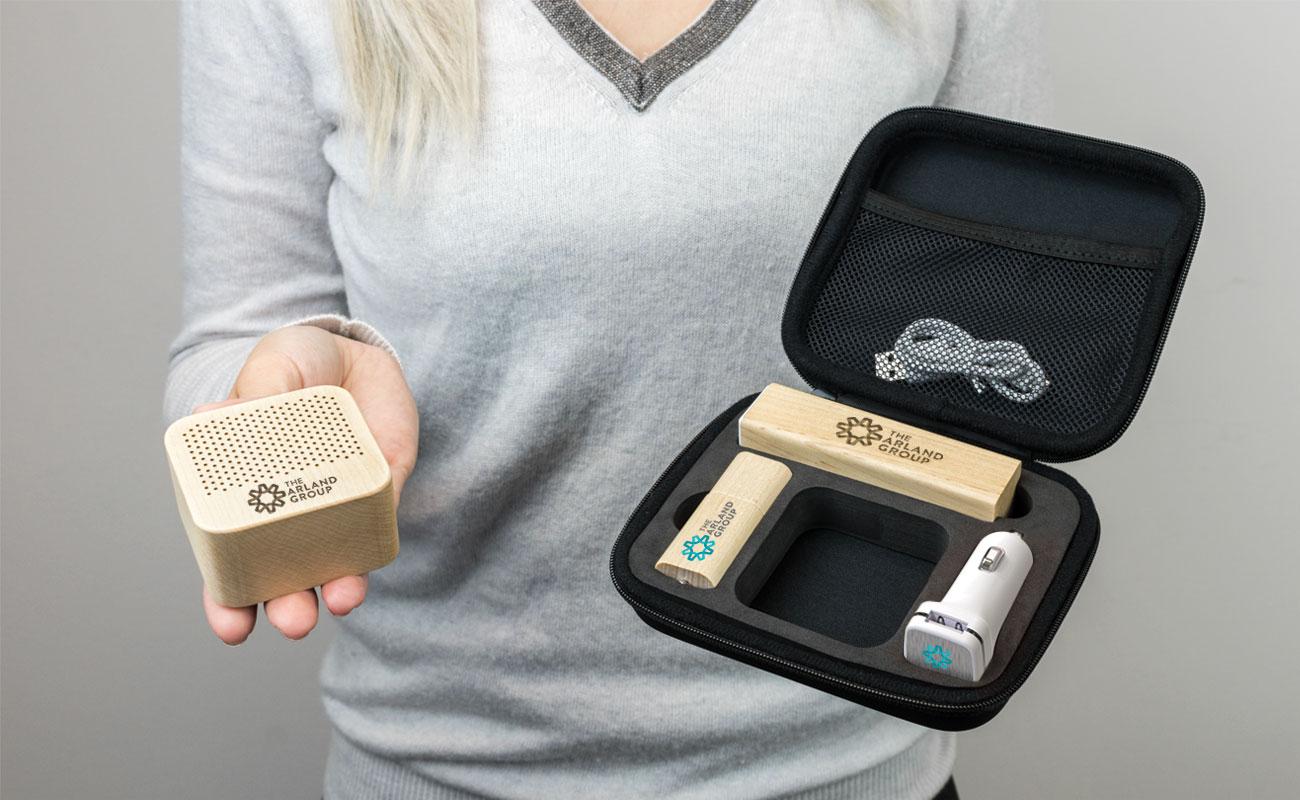 Maple L - USB Stick Bedrucken, Powerbank Mit Gravur, Custom Car Charger und Lautsprecher Hersteller