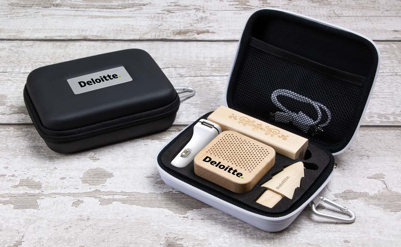 Noel L - USB Stick Bedrucken, Powerbank Mit Gravur, Custom Car Charger und Lautsprecher Hersteller
