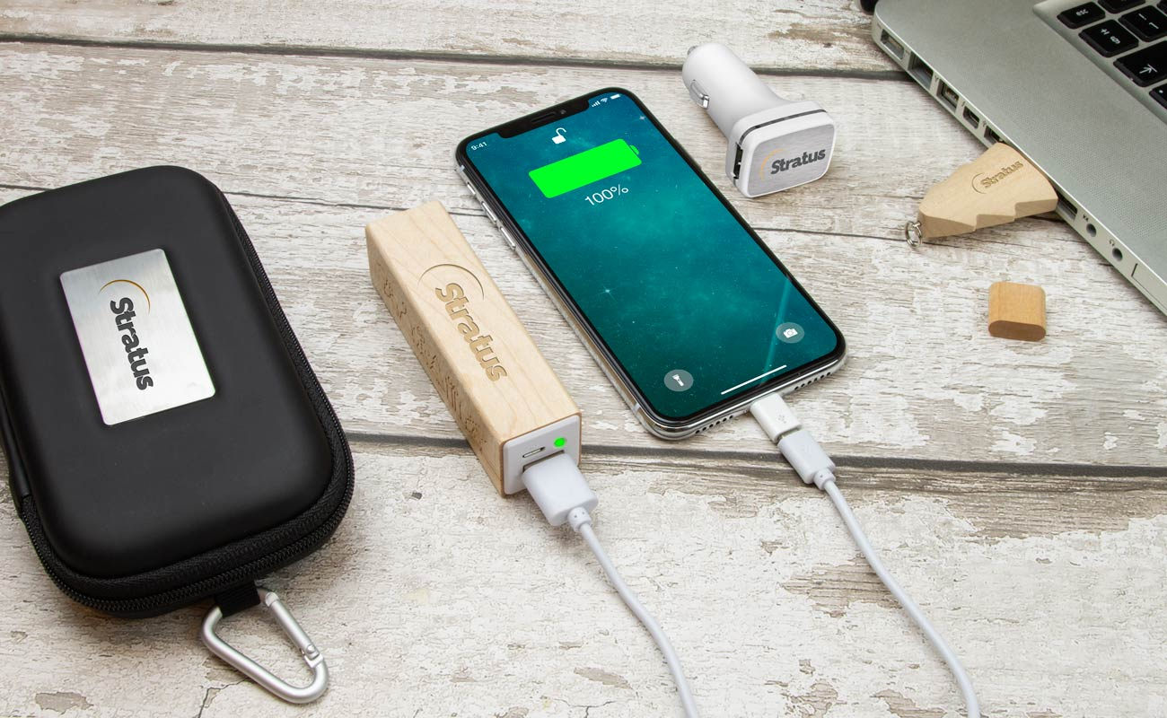 Noel M - USB Stick Bedrucken, Powerbank Mit Gravur und Custom Car Charger